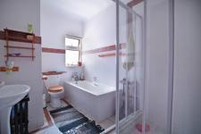 Bathroom 1 - 6 square meters of property in Woodlands Lifestyle Estate