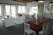 Lounges - 25 square meters of property in Bredasdorp