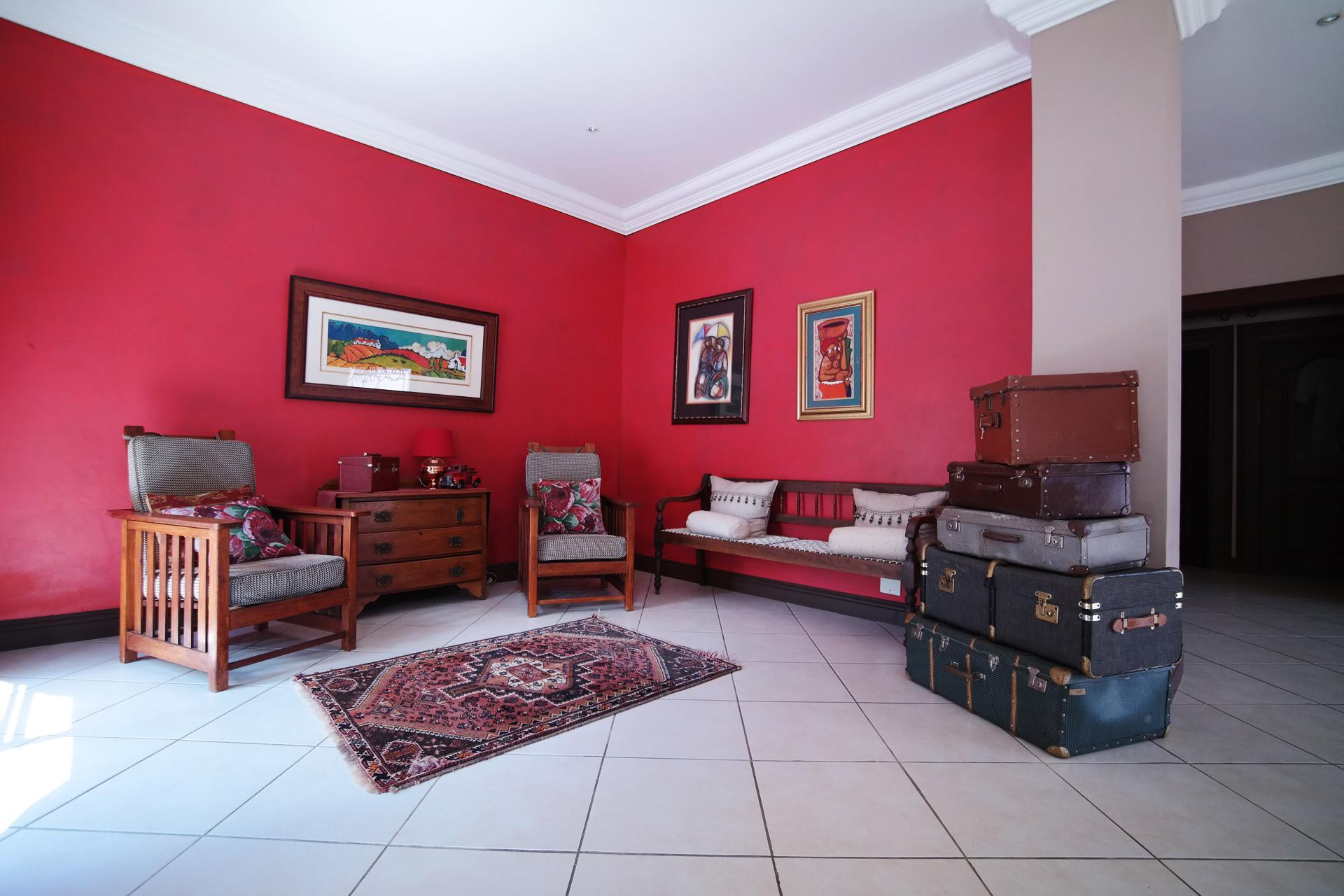 Informal Lounge of property in Woodhill Golf Estate