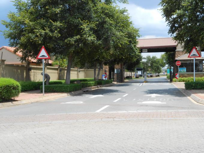 Standard Bank EasySell 3 Bedroom Apartment for Sale in Highveld - MR122822