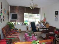 Lounges - 15 square meters of property in Wonderboom South