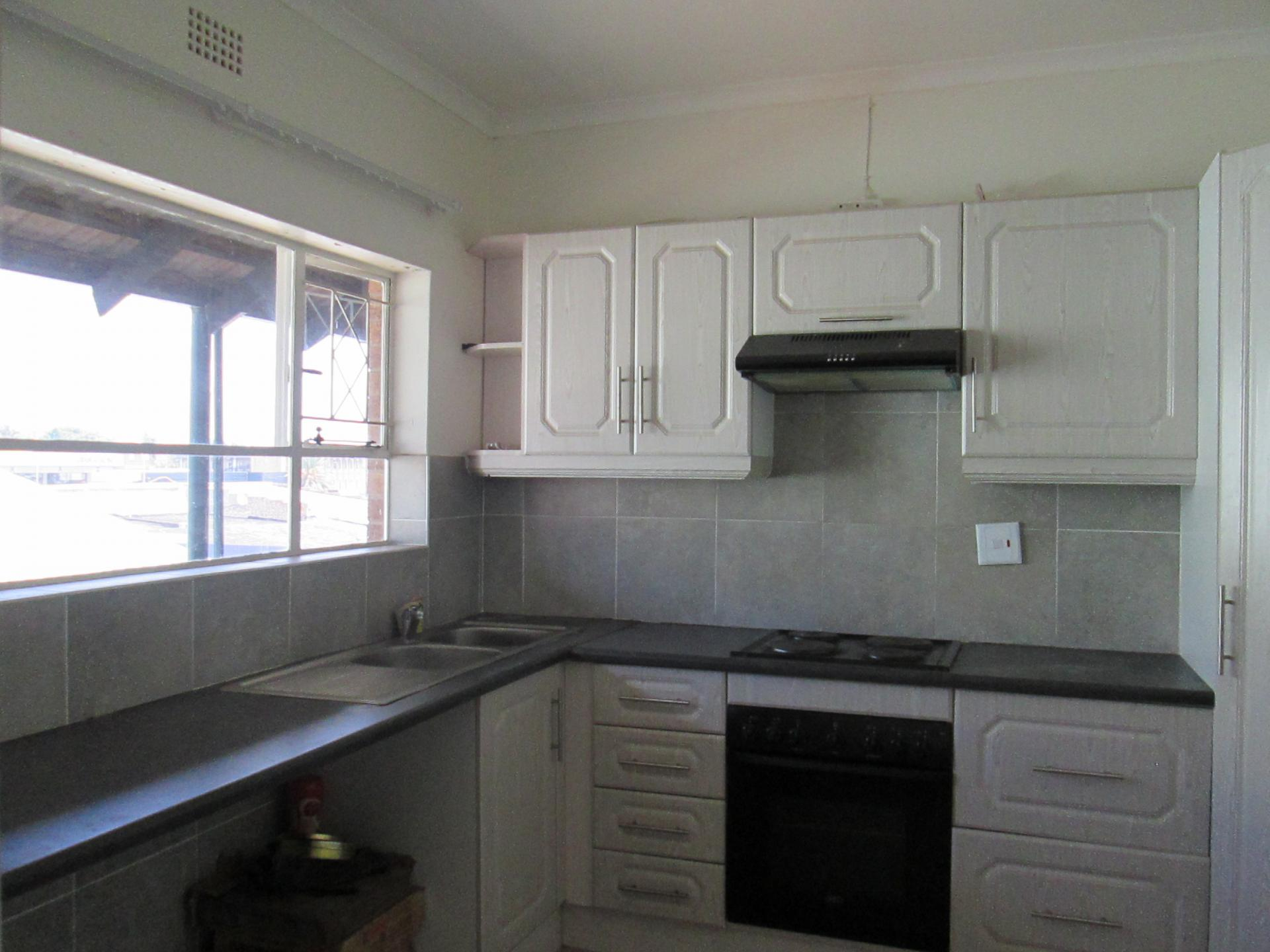 3 bedroom apartment for sale for sale in randburg home for Kitchen cupboards randburg