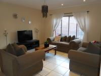 Lounges - 21 square meters of property in Rooihuiskraal North