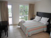 Main Bedroom - 14 square meters of property in Port Edward