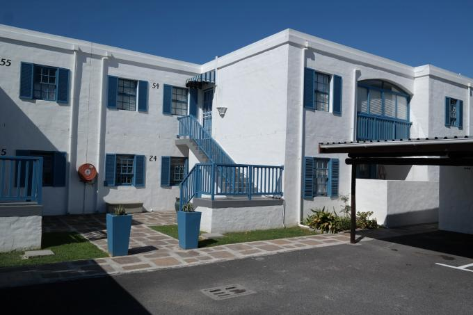 3 Bedroom Apartment For Sale in Gordons Bay - Private Sale - MR122930