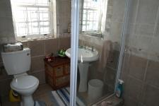 Bathroom 2 of property in Gordons Bay