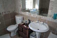 Bathroom 1 of property in Gordons Bay
