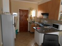 Kitchen - 11 square meters of property in The Orchards
