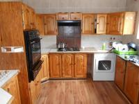 Kitchen - 27 square meters of property in Bedworth Park