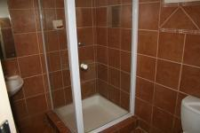 Bathroom 1 - 6 square meters of property in Clubview