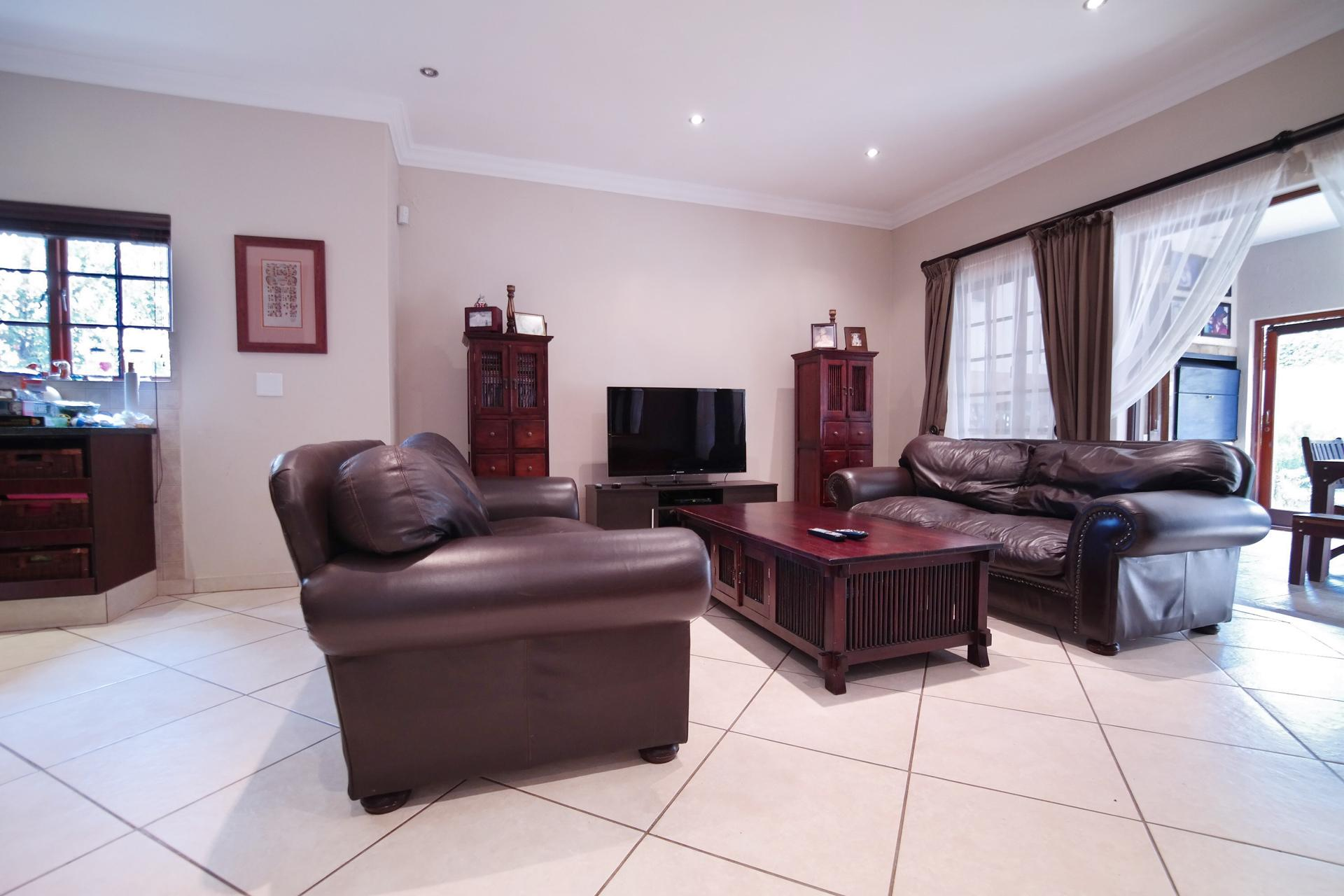 TV Room - 28 square meters of property in Cormallen Hill Estate