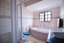 Bathroom 1 - 6 square meters of property in Cormallen Hill Estate