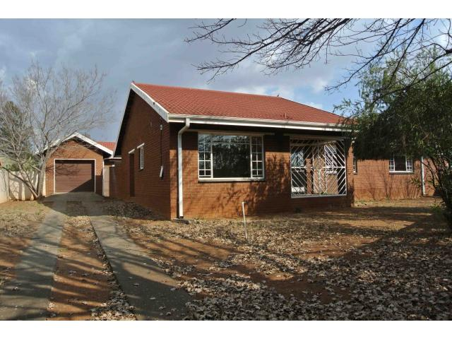3 Bedroom House for Sale For Sale in Vaalpark - Home Sell - MR122985