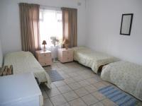 Bed Room 1 - 17 square meters of property in Margate