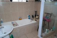 Bathroom 1 - 7 square meters of property in Pinelands