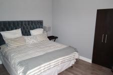Main Bedroom - 14 square meters of property in Wynberg - CPT