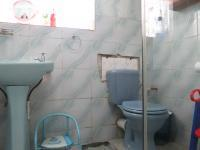 Main Bathroom - 8 square meters of property in Greenhills