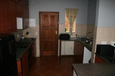 Kitchen - 5 square meters of property in La Montagne