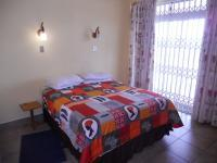 Main Bedroom - 14 square meters of property in Uvongo