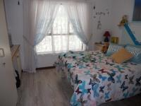 Bed Room 1 - 11 square meters of property in Margate