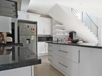 Kitchen - 11 square meters of property in Silverwoods Country Estate
