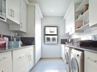 Scullery - 10 square meters of property in Silverwoods Country Estate