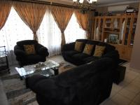 Lounges - 23 square meters of property in Paradise Valley
