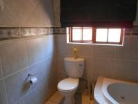 Main Bathroom - 9 square meters of property in Annlin