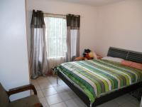 Main Bedroom - 13 square meters of property in Umtentweni