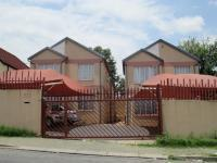 2 Bedroom 1 Bathroom in Jeppestown