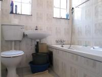 Main Bathroom - 2 square meters of property in Jeppestown