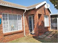 2 Bedroom 1 Bathroom Sec Title for Sale for sale in Bergbron