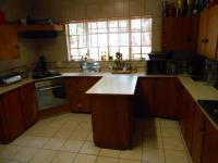 Kitchen - 22 square meters of property in Karenpark