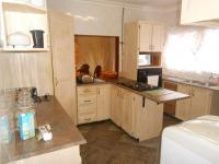 Kitchen - 15 square meters of property in Montana Park