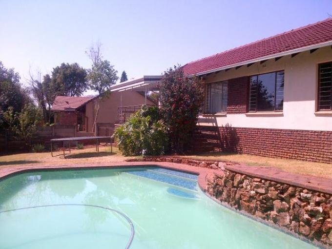 3 Bedroom House for Sale For Sale in Constantia Kloof - Private Sale - MR123230