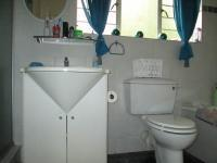 Bathroom 1 - 7 square meters of property in Constantia Kloof