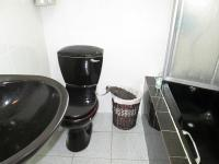 Main Bathroom - 8 square meters of property in Lenasia