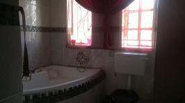 Bathroom 1 - 10 square meters of property in Emalahleni (Witbank)