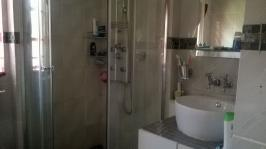 Main Bathroom - 9 square meters of property in Emalahleni (Witbank)