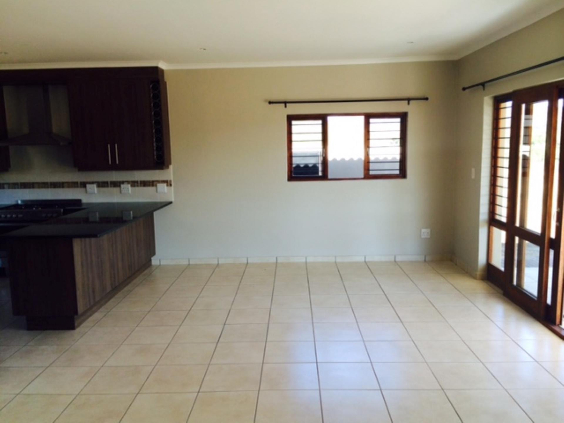Lounges - 33 square meters of property in Nelspruit Central