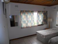 Bed Room 2 - 18 square meters of property in Hibberdene