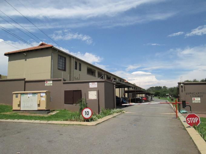 2 Bedroom Sectional Title For Sale in Roodepoort - Private Sale - MR123352