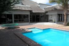 4 Bedroom 5 Bathroom in Milnerton Ridge
