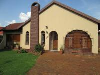 4 Bedroom 2 Bathroom in Randfontein
