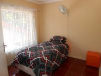 Bed Room 2 - 11 square meters of property in The Orchards