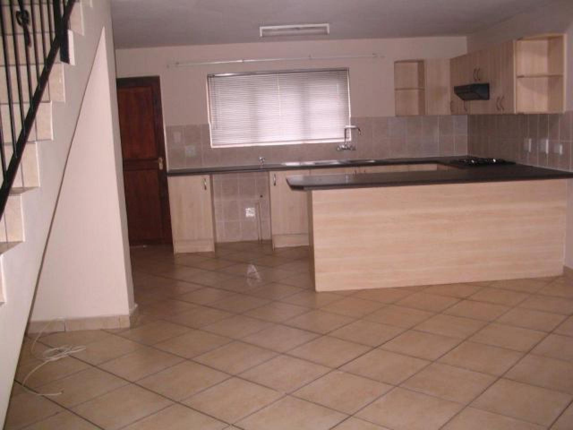 Kitchen of property in Kingsview