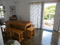 Dining Room - 19 square meters of property in Port Edward