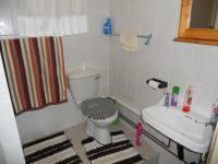 Main Bathroom - 3 square meters of property in Port Edward