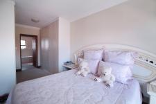 Main Bedroom - 20 square meters of property in Six Fountains Estate
