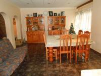 Dining Room - 33 square meters of property in Sinoville